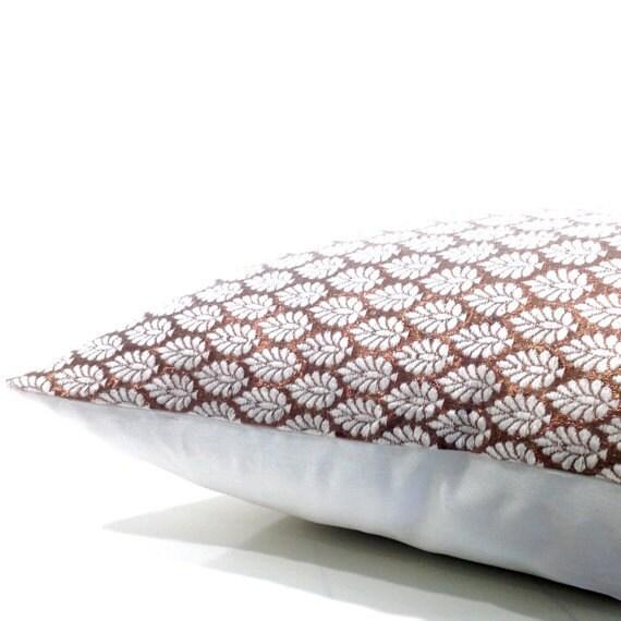 hnliche artikel wie kissen woven texturiert kissen metallische kissen marokkanische kissen. Black Bedroom Furniture Sets. Home Design Ideas