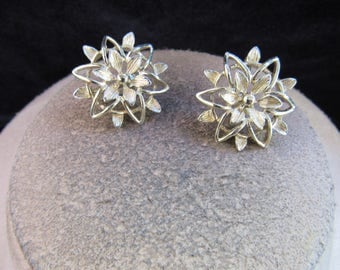 Vintage Pair Of Signed Sarah Coventry Goldltone Floral Clip Earrings