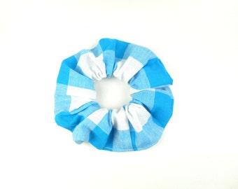 Scrunchie, scrunchies, tie hair, checkered blue and white