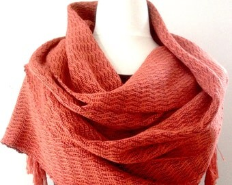 Scarf, hand-woven of spun-silk and silk bourette-. 100% silk. 220 x 42 cm