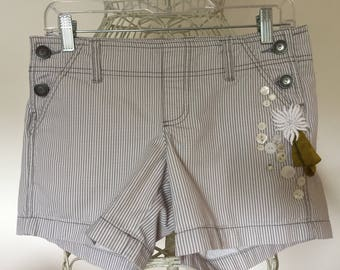 Recycled striped poplin shorts