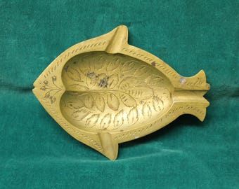 Vintage Brass Fish Ashtray personal pocket ash tray stamped brass tobacciana cigarette engraved India 100 M cast bronze metal
