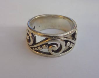 Beautiful sterling silver filigree ring size 6 1/2
