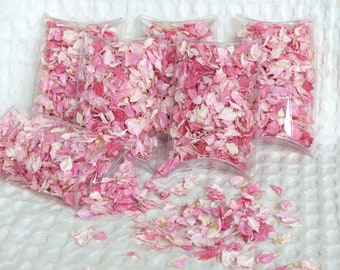 Real flower petal wedding confetti!  Dried pink flower confetti in clear pillow boxes, ready for your guests to throw!