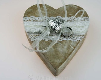Wooden heart ring pillow cream white vintage lace 2