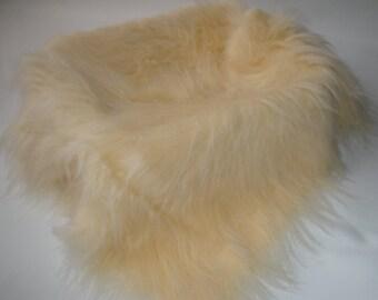 "Photo Prop Beige/Champagne Faux Fur, Fabric, Basket Stuffer, Basket Filler, 20"" x 20"", 50cm x 50cm"