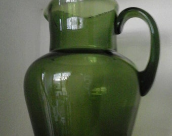 Green glass pitcher / 1970 blossom glass pitcher / vintage / French