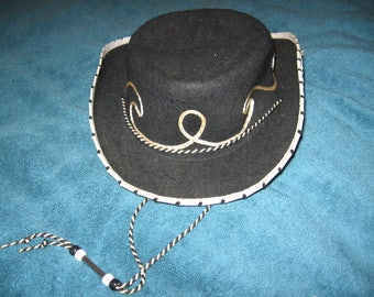 Vintage 1960's Pla-Master Childrens Cowboy Hat In Very Good To Excellent Condition.