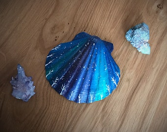 Large Painted Shell.