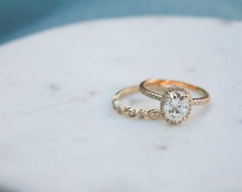 Oval Moissanite Diamond, Halo Engagement Ring, Yellow Gold, Wedding set,  Moissanite Wedding set, Diamond, Yellow Gold, Halo Diamond