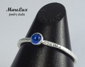 Sapphire Cabochon Ring with Texture, Stackable Blue 3 mm Synthetic Sapphire 925 Silver Ring, Sapphire Engagement Textured Sterling Ring
