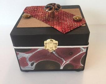 Metallic plunge, treasure, memory, photo, jewelry keepsake box
