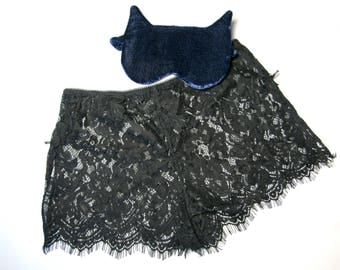 Lace shorts for sleeping / french panties / lounge shorts / pajama shorts / black panties / loungewear / Dessous für Frauen