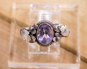 Stunning Amethyst Sterling Silver Ring size 7.25