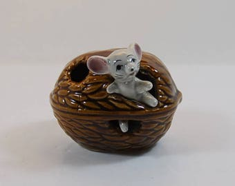 A Beckwood Mouse Emerging From Walnut Ceramic Toothpick Holder, Vintage Mouse Toothpick Ornament, Kitsch Ornament, Retro Tableware