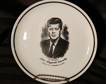 VINTAGE Plaque of John F. Kennedy / Mid century Commemorative plate of John F. Kennedy