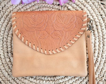 Genuine Leather Purse * Flower Handcarved * Handmade * Wallet * Bag * Clutch * Camel * Tan * Boho * Wrist * Bohemian * Hippie Chic * BW030
