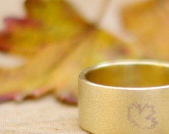 Rustic band ring Maple leaf ring Handstamped ring Brass jewelry Grape vine leaf ring Canadian statement ring Golden every day wear