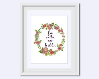 la vida es bella print - Spanish for Life is Beautiful - Spanish wall art - purple flower wreath - floral wall art - printable women gift