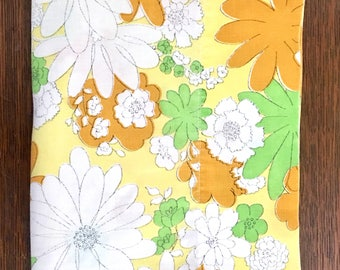 Vintage Pillowcase / Vintage Floral Pillowcase / Cannon Montecello / Standard Size Pillowcase