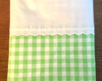 Vintage Full Flat Sheet / Green and White Gingham