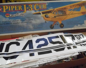 PIPER J - 3 40 Cub Great Planes 80s - vintage - old toy model rc plane - toy collection - toys games -.