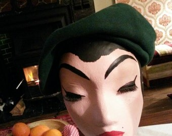 1950s Wool Green Beret by Henry Pollak. Free postage until end of May !!!