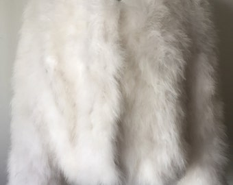 White coat, fantastic soft fur, from real swan feathers, fluffy fur, wedding style, festive look, vintage, exclusive model, size-medium.