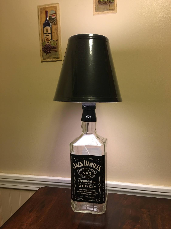 jack daniels schnaps flasche lampe schnapsflasche licht. Black Bedroom Furniture Sets. Home Design Ideas