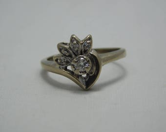 Vintage White 14K Gold Diamond Ring