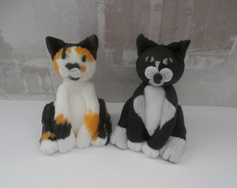 2 x Edible cats,Bespoke Cat, Kitten, Cake Topper,birthday,retirement,mothers day,women,lady,man