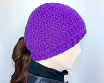 Purple Ponytail Crochet Hat/Purple Messy Bun Crochet Hat/Ponytail Hat/Messy Bun Hat/Ladies Ponytail Hat/Purple Crochet Hat/Messy Bun Beanie
