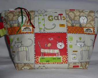 toiletry bag in coated cotton, with cats design