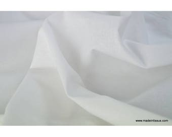 Canvas in white cotton sheets