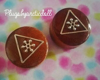 Pair of plugs 24mm wooden silver triangles