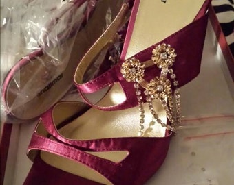 Vintage Shalimar shoes with glass diamante studded golden metal heels (not plastic) and glass/metal diamante sparkly fringe detail. Size 7