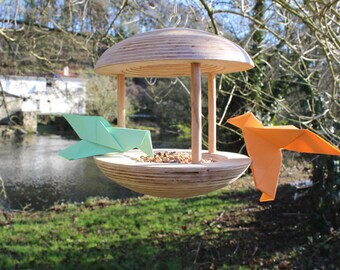 Design wood bird feeder