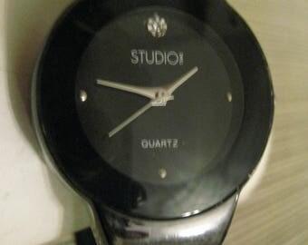 Un Worn Studio Quartz Women's Genuine Diamond ? Or Crystal Rhinestone Gunmetal Cuff Watch Vintage