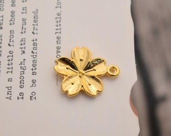 20 flower charms gold flower charm pendants