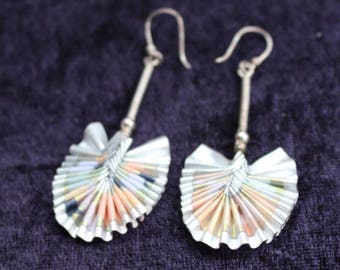 Beautiful vintage coloured paper fan earrings with silver stem and wires