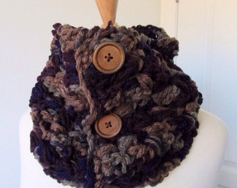 Wooden Button Cowl