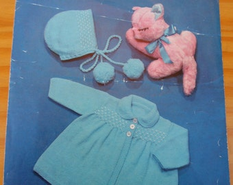 Vintage knitting pattern for baby's matinee coat and bonnet in four ply yarn