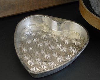 Vintage Heart Shaped Cake Pan, Ovenex Ekco Atomic Starburst, Baking Cake Pan, Heart Bakeware, Specialty Baking Pan, Valentine's Day Cake Pan