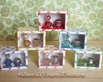 Dollhouse perfume bottles 1:12 scale, dollhouse miniature artisan, Vanity tray of perfumes bottles, six colors and display box.