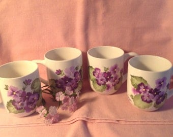 hand painted cups(4)with purple violets//mother's day//gifts for her//house warming//birthdays, Christmas, weddings//coffee and tea.