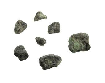 1lb. Emerald Raw Untumbled Stones