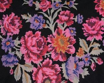 Soviet scarf. Ukrainian shawl. Wool mixture. Flower scarf. Black roses. USSR. Vintage 80's.
