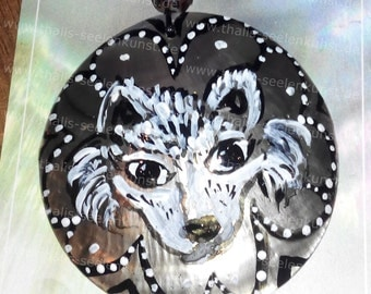 1 Wolf power animal chain with Capiz shell 6cm communications