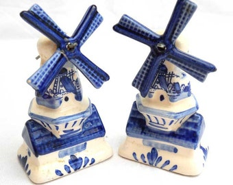 Dutch Windmill Blue and White Salt and Pepper Vintage