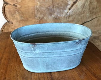 Vintage style distressed metal trough perfect for rustic woodland weddings, table decorations, favours, flower arrangements